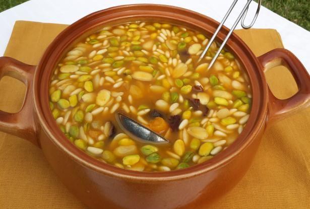 Khoshaf minuman khas mesir mirip salad