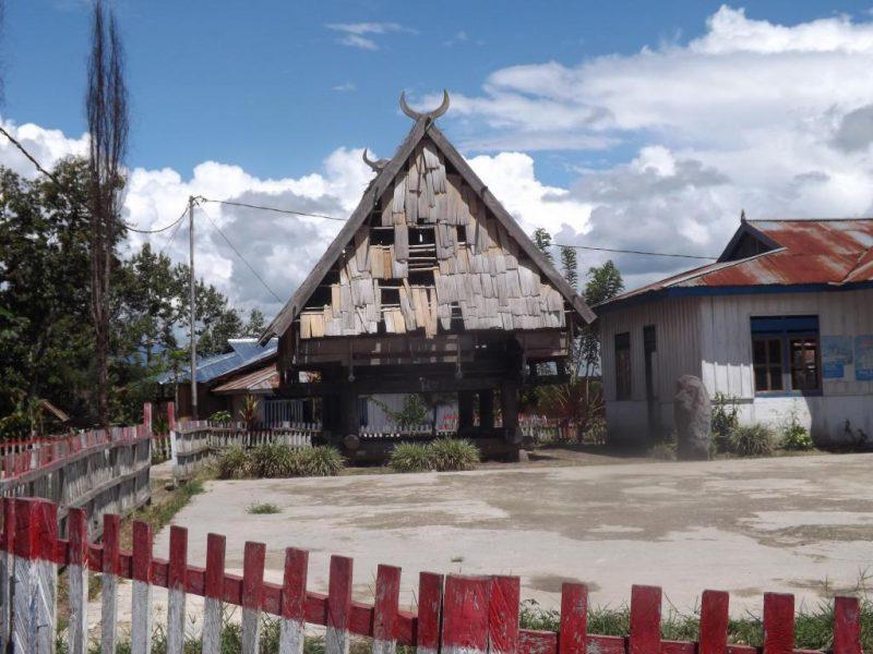 rumah adat tambbi