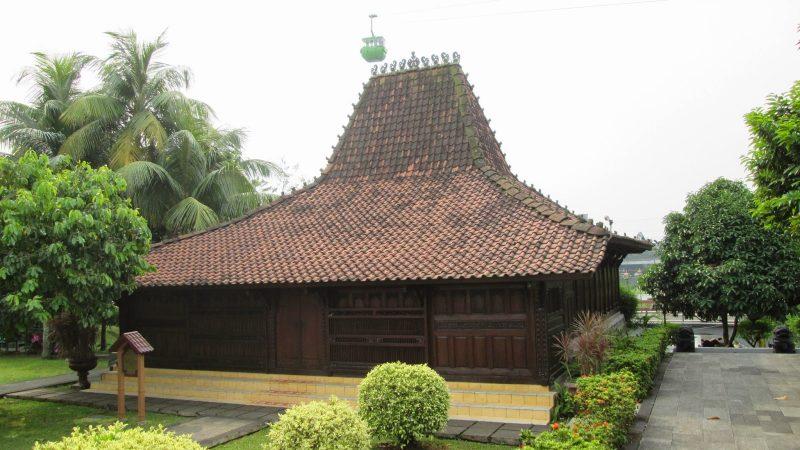 Rumah Adat Kasepuhan Cirebon