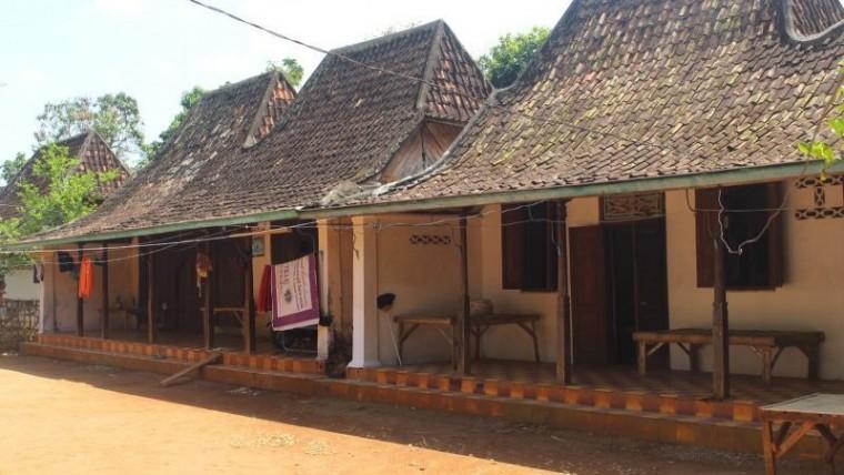 rumah adat madura, rumah adat tanean lanjhang
