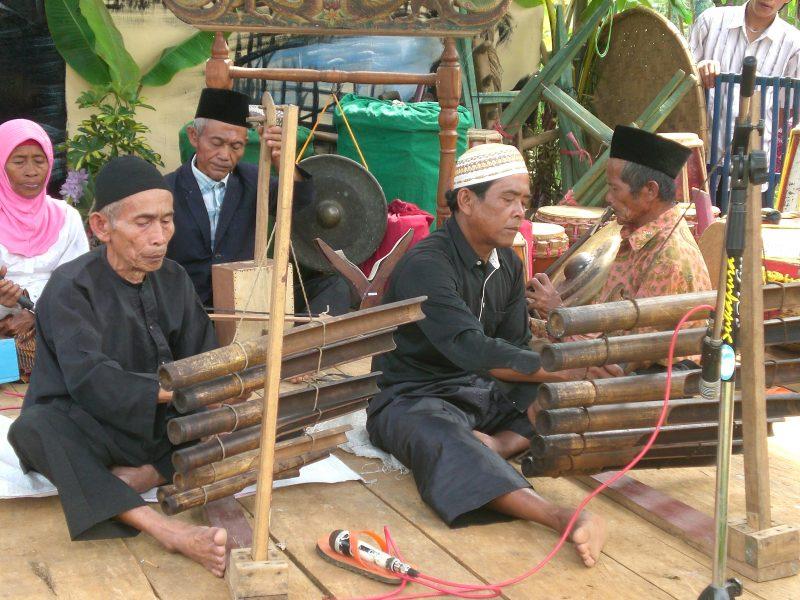 Sejarah dan Perkembangan Alat Musik Tradisional Calung
