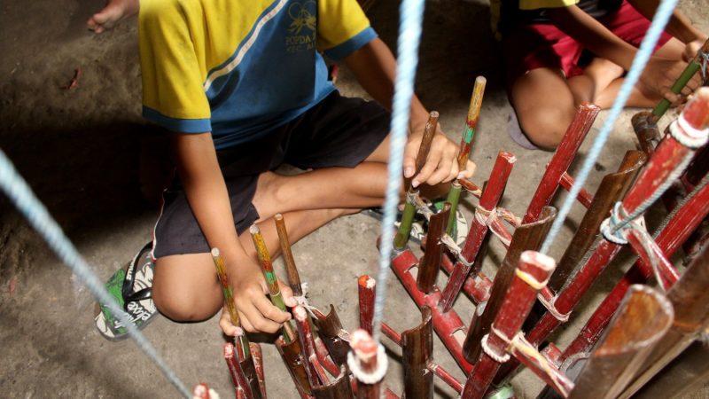 alat msik tradisional indonesia