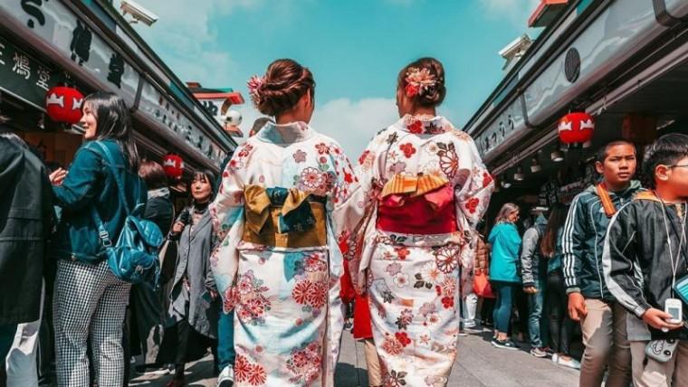 pakaian tradisiona jepang yang unik