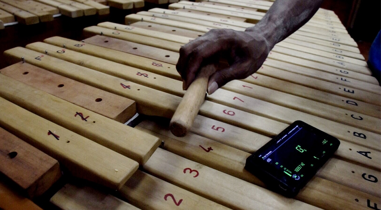 Pembuatan Alat Musik Tradisional Kolintang