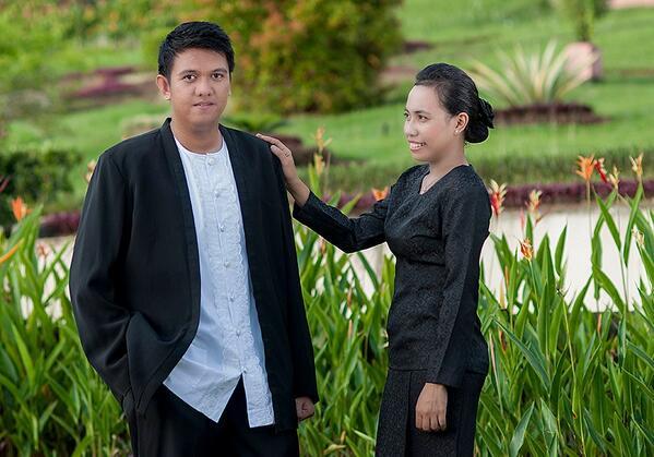 Kebaya Hitam Gereja, Pakaian Adat Maluku