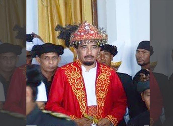 Manteren Lamo, Pakaian Adat Maluku