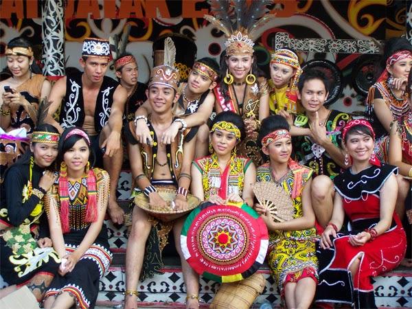 Baju tradisional kalimantan barat