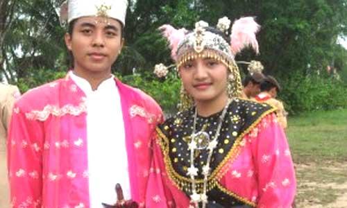 Baju Koja, Pakaian Adat Maluku