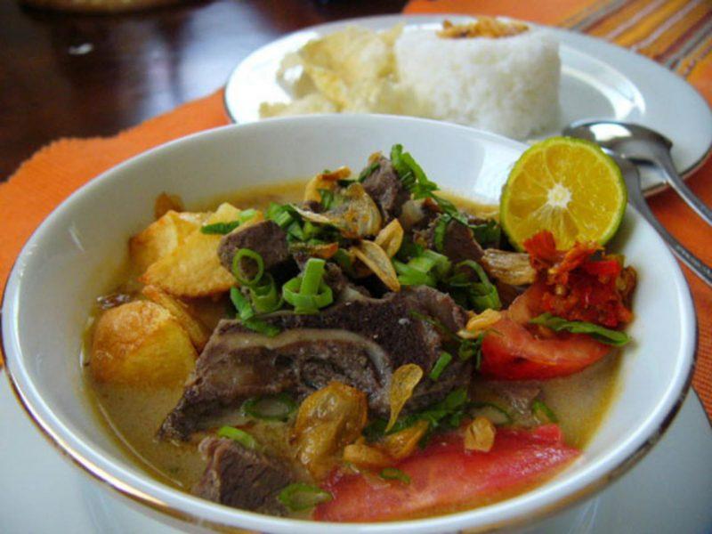 soto tangkar adalah salah satu kuliner betawi