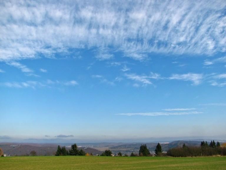 awan di langit