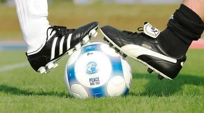 kick off peraturan dalam sepak bola