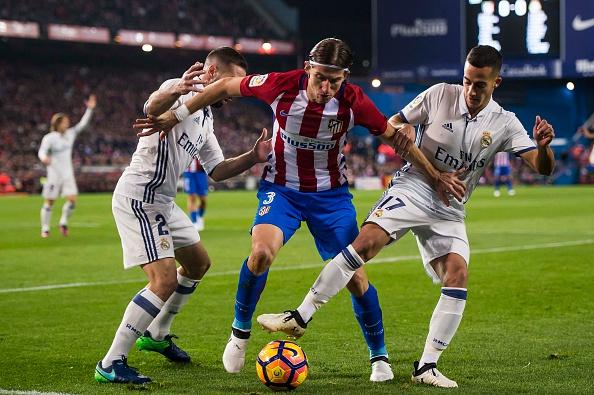 pertahanan rapat dalam sepak bola