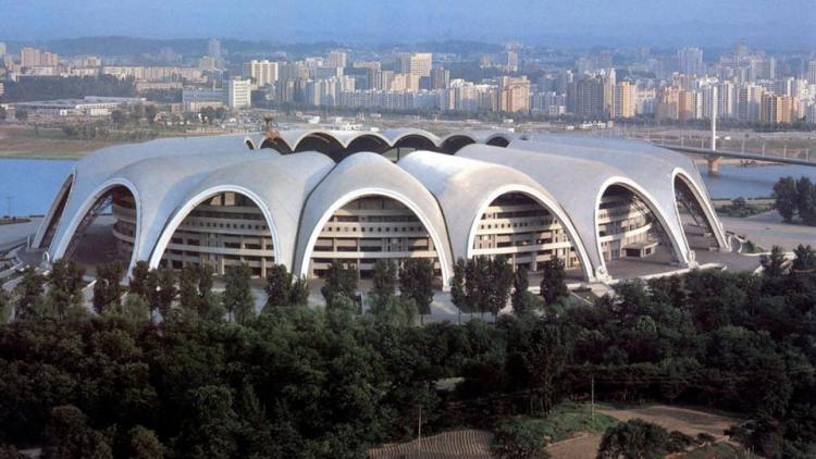 Stadion 1 Mei Rungrado adalah stadion di korea utara