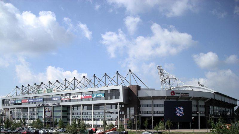 Stadion Abe Lenstra menjadi salah satu stadion terkecil di dunia