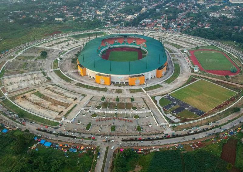 stadion pakansari merupakan stadion serstandar FIFA di Indonesia